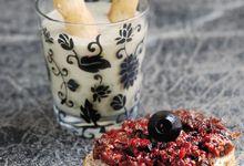 Crostinis végétariens : haricots blancs et pesto rouge