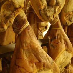 Le jambon : la spécialité de l'entreprise René Cabrol