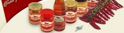 Martine Damois vend ses produits sur Internet mais aussi sur des marchés et dans des épiceries fines, tant en France qu'à l'international.