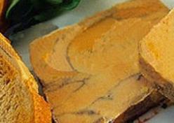 Le foie gras mi-cuit, produit star de la ferme.
