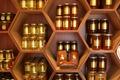 Miels, pollens, gelées royales et bougies à la cire d'abeille de la Miellerie du Gâtinais.