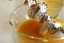 http://www.recettespourtous.com/files/imagecache/recette_fiche/img_recettes/14490_recette_veloute_froid_courgette_nice_anchois_sauge.jpg
