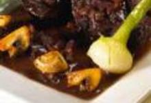 http://www.recettespourtous.com/files/imagecache/recette_fiche/img_recettes/14720_recette_boeuf_bourguignon_vin_rouge_244.jpg