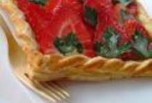http://www.recettespourtous.com/files/imagecache/recette_fiche/img_recettes/14164_recette_feuillete_fraises_sirop_persil_plat.JPG