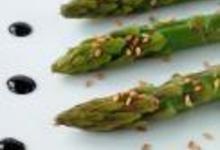 http://www.recettespourtous.com/files/imagecache/recette_fiche/img_recettes/14148_recette_asperges_grillees_sesame_vinaigre_balsamique_reduit.JPG