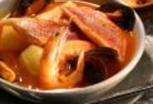 http://www.recettespourtous.com/files/imagecache/recette_fiche/img_recettes/286_bouillabaisse_1165297_REC.jpg