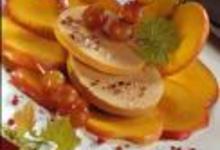http://www.recettespourtous.com/files/imagecache/recette_fiche/img_recettes/2417_Rosace_de_foie_gras_aux_pommes.JPG