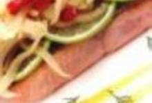 http://www.recettespourtous.com/files/imagecache/recette_fiche/img_recettes/26388_recette_dos_saumon_mi_fume_mi_cuit_fenouil_piquillos_sautes_zestes_citron_vert_jus_ma.jpg