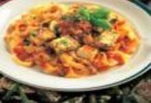 http://www.recettespourtous.com/files/imagecache/recette_fiche/img_recettes/14877_recette_pates_lieu_noir_sauce_tomate_basilic.jpg