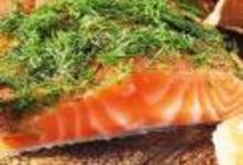 http://www.recettespourtous.com/files/imagecache/recette_fiche/img_recettes/15392_recette_saumon_norvege_facon_gravlaks.jpg