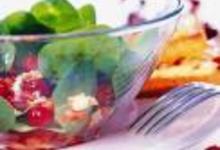 http://www.recettespourtous.com/files/imagecache/recette_fiche/img_recettes/15525_recette_salade_depinards_cranberries.jpg