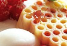Terrine de macaronis parfumée à la rose et aux framboises