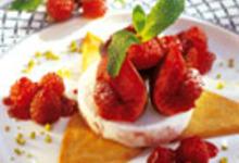 Figues fraîches et framboises poêlées sur crème glacée à la figue