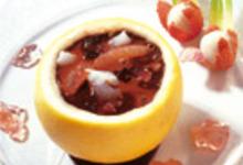 Soupe de Chocolat Chaud aux Lychees, Pomelos et Confit de Rose