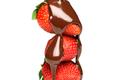 Du chocolat coulant sur des fraises juteuses....un dessert aussi sensuel à regarder qu'à savourer !