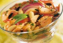 Salade de Saumon de Norvège, haricots blancs et oignons rouges