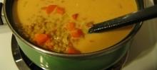 Soupe au lentilles rouges à l'indienne