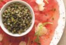 Carpaccio de boeuf, copeaux de Cantal et salade de lentilles froides