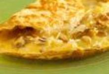 Omelette au comté, noix et pignons