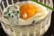 oeuf cocotte à l'oseille, sauce camembert