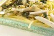 Spaghettis et calamars sautés au beurre persillé