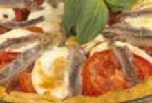 Tarte au thon étoilée d'anchois à la mozzarella