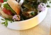 Tomates farcies et Pan Bagnat pour un pique-nique gourmand