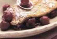 Omelette poêlée au chocolat et aux cerises