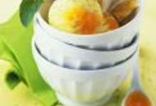 Glace aux calissons, coulis de melon