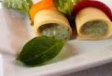 Cannelloni à la mousse de basilic aux poivrons