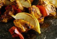 Brochettes de poulet piquant à l'orange