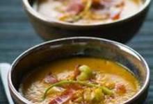 Soupe de patates douces grillées au paprika et aux lardons
