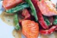 http://www.recettespourtous.com/files/imagecache/recette_fiche/img_recettes/14897_recette_saumon_curry_vert.jpg