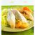 Poularde française pochée au Coteaux du Layon servie sur un nid d'abricots