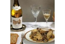 Le coq au vin jaune et aux morilles
