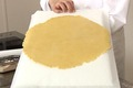 Etaler une pâte