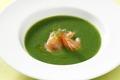 Crème de cresson, saumon mariné à l'huile de wasabi