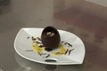 Oeuf en chocolat surprise, mousse mangue/passion