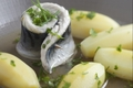 Maquereaux pochés et pommes de terre à l'anglaise