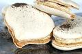Macaron iodé, Fines de Claire Marennes Oléron, beurre échalote et vinaigre à l'estragon