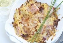 Gratin de pommes de terre aux oignons avec carré de porc et Gruyère AOC