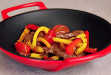 Saga Médoc  Et son wok d'émincé de boeuf au poivron et tomate cerise au cumin