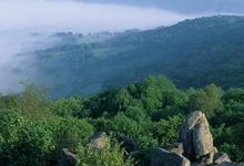 Uchon : panorama sur le Morvan depuis les rochers du Carnaval