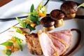 Côte de porc Ibérique - Brochette de cèpes de pays