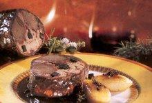Lièvre à la royale mitonné au vin des Côtes du Rhône et coings fondants