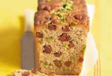 Cake aux fraises séchées et aux pistaches