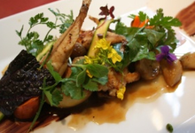Assiette végétale, Lotte « Petit Bateau » et Ail Confit.
