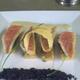 Fin sablé de rougets aux oignons confits, sauce yaourt à l'anchois