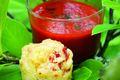 Velouté glacé de piquillos et muffins à la tomme arbela