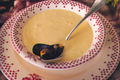 Soupe Cremeuse De Moules Et De Petits Celeris